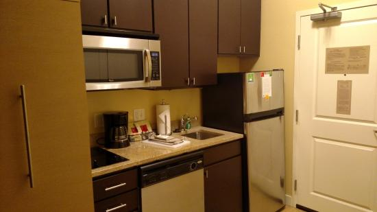 TownePlace Suites Laconia Gilford: immaculate, fully equipped, kitchen