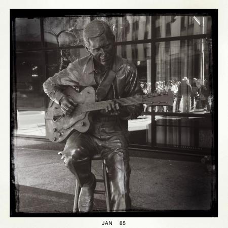 Walkin' Nashville - Music City Legends Tour: Chet Atkins statue