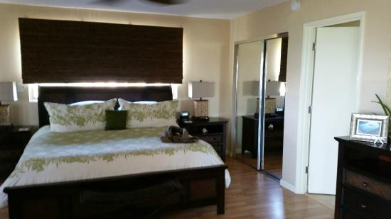 Kamaole Beach Royale Resort, ( #608): Master bedroom