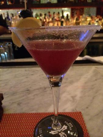 Bar Esquina : Blue berry limonade martini