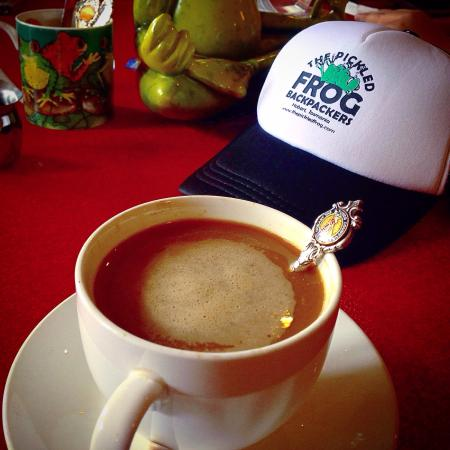The Pickled Frog: Cozy coffee at the bar