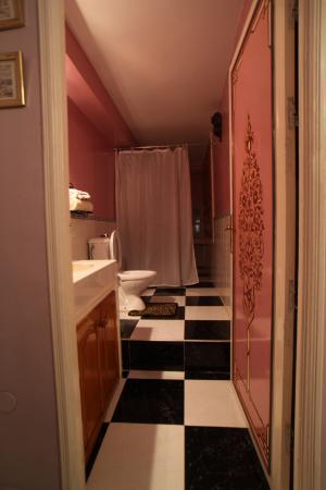 Riad Atika Meknes: restroom