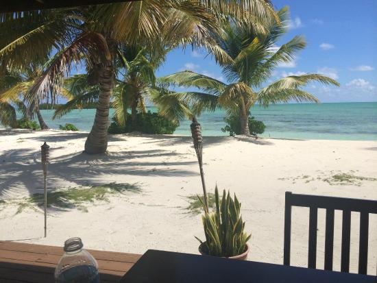 Swain's Cay Lodge: The Beach