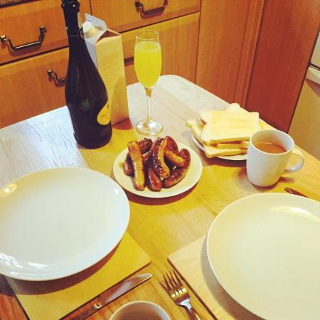 Pine Bank Chalets: New Years Day Breakfast in Cairntoul!