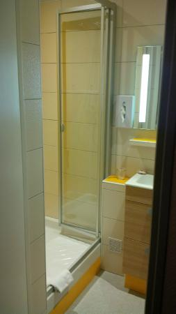 Hotel Carmin : Salle d'eau