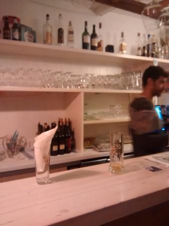 """Taverna Deluzio : """"il bancone"""""""