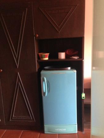 Duan Nam Ing Hotel : Old unhygienic fridge