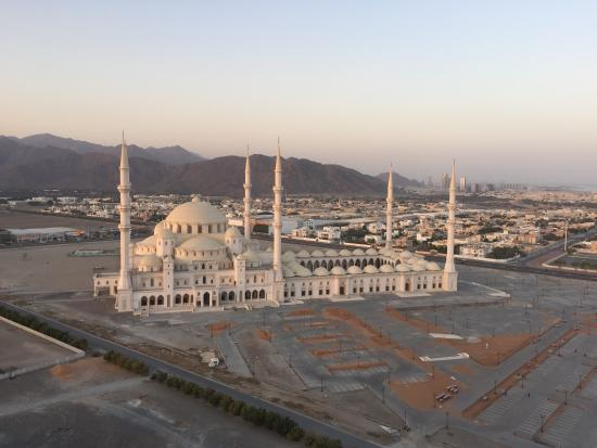 Nour Arjaan by Rotana - Fujairah: view from swimming pool terrace