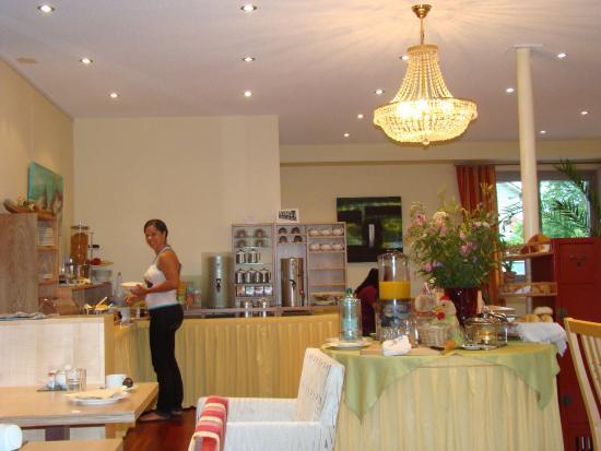 Das smarte Hotel garni: Área do café da manhã
