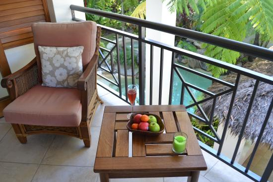 Frangipani Bed & Breakfast: Balcony at red room