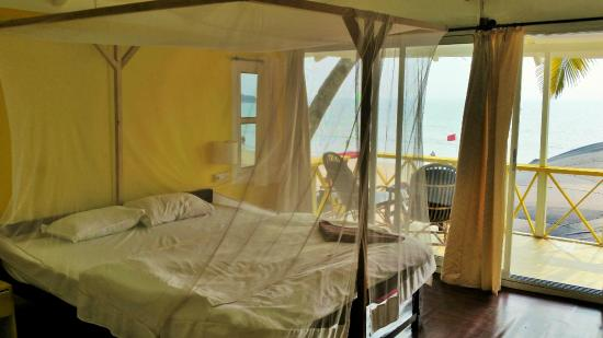 Cuba Beach Huts : Room