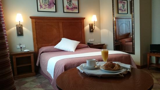Hotel villava pamplona ahora 51 antes 6 1 for Precio habitacion matrimonio completa