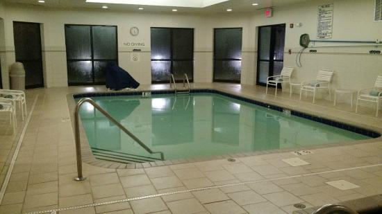 Courtyard Charlotte Gastonia: Indoor pool