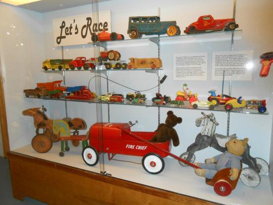 Western Development Museum : Kids toys