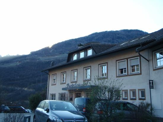 Hotel Rentschnerhof: vom Parkplatz gesehen