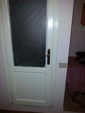 Hotel Sampaoli: porta