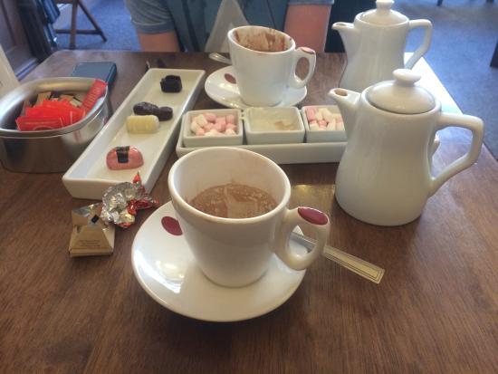 Leopold's Belgian Chocolates & Coffee House: Yummy