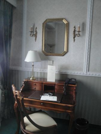 Mediterranean Palace : Room decoration
