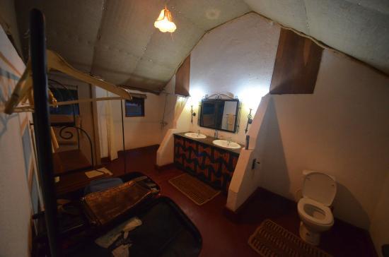 Ngorongoro Forest Tented Lodge: bagno