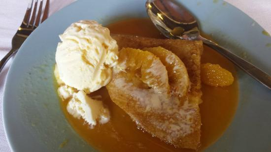 Tamborine Cooking School: finishing off the 8 courses - Crepe Suzette. YUMMY