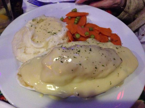 The Olde Ship : House special chicken pot pie