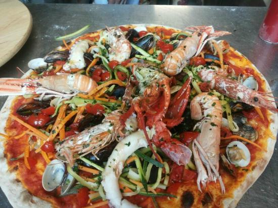 pizza catalana - Picture of La Terrazza Sul Lago Ristorante, Clusane ...