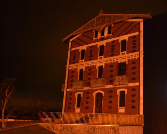 Hotel Itxas Gain Getaria: Balenciaga museum uptown