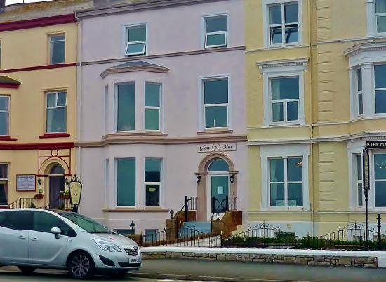 Glan y Mor Hotel