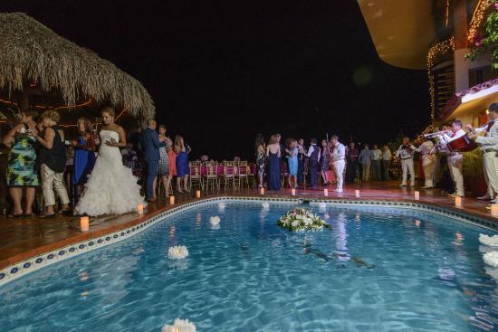 Casa Isabel : Pool Deck for Reception