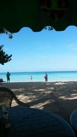Merrils Beach Resort III: Breakfast at the Beach Fabolous