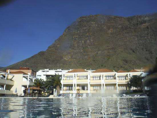Laurisilva Apartments: Hotel view from pool