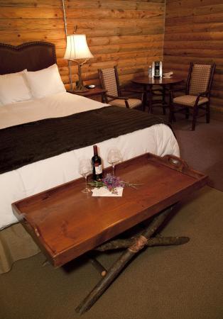 Denali Crow's Nest Cabins: Honeymooners room