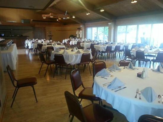 Round Barn Lodge: meeting banquet room