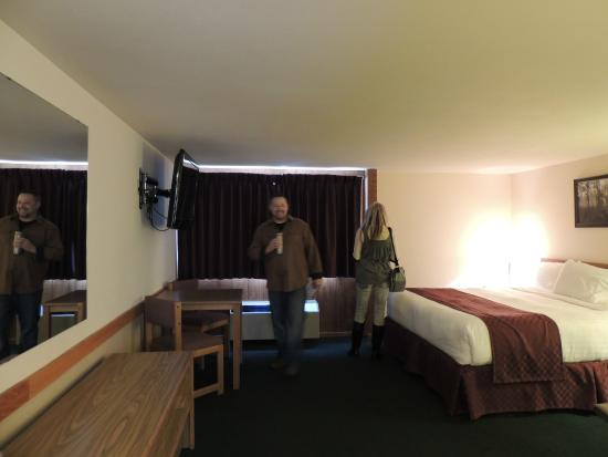 Round Barn Lodge: our room