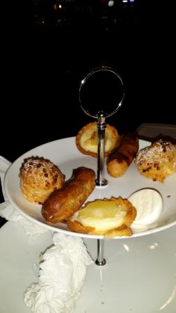 Best Western Derwent Manor Hotel: The indescribable cakes