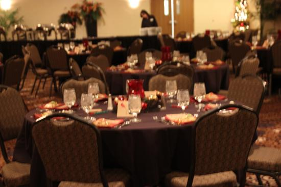 Holiday Inn Fort Wayne-IPFW & Coliseum: Our decorated room for our party