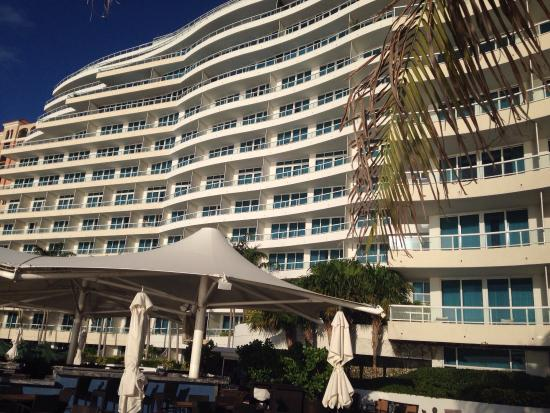 The Ritz-Carlton, Fort Lauderdale: Front view