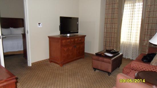 Homewood Suites Miami-Airport West: living room/bedroom