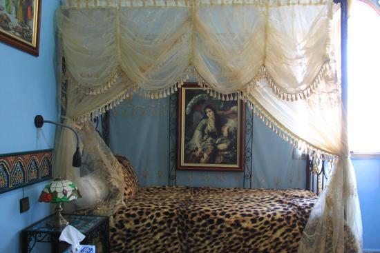 Moroccan House Hotel: Betten etwas zu kurz ( bin 173 cm)