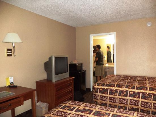Knights Inn San Antonio Near AT&T Center: Quarto de casal