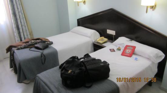 Hotel Navas: room