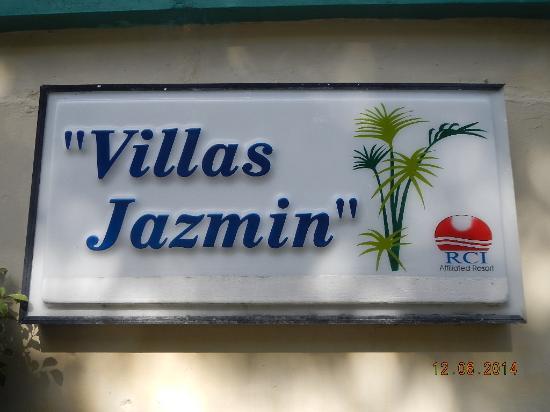 Club Villas Jazmin: signage