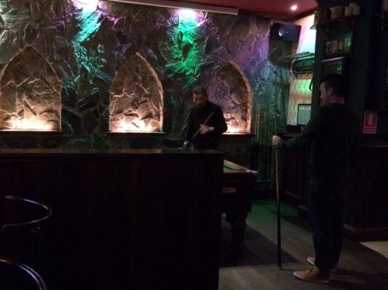 The Claddagh Irish Bar: Pool table too