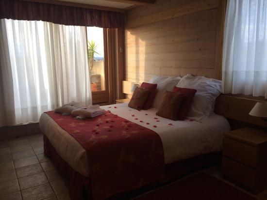Hotel Restaurant La Placa: Chambre
