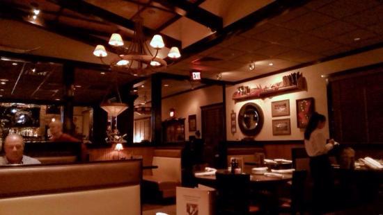 LongHorn Steakhouse: Inside Longhorn
