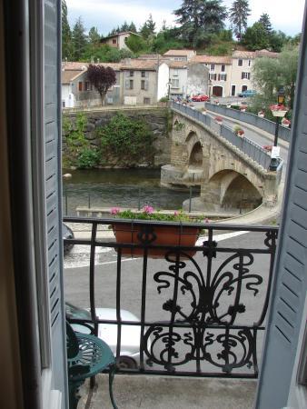 La Maison de la Riviere: Salida al balcón desde el dormitorio