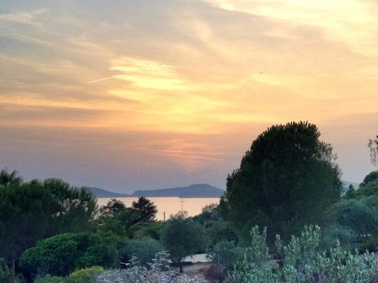 Arcamyrtus Holiday Country House: Sun setting over Alghero