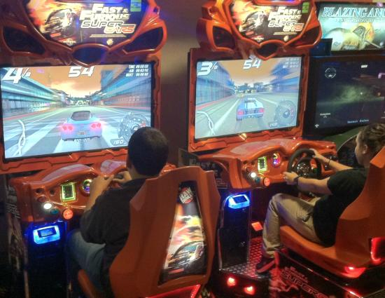 Family Fun Center & Bullwinkle's Restaurant : More arcade games