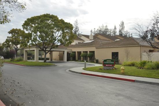 Courtyard San Jose Cupertino: Общий вид