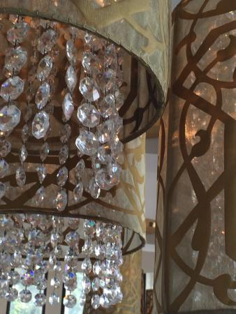 La Paloma: Nice chandeliers